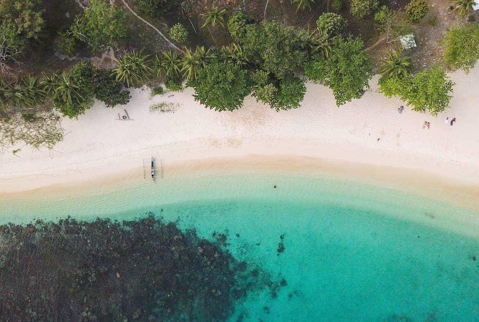 il mare delle filippine nomade digitale